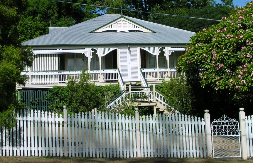 Queenslander_home,_Australia