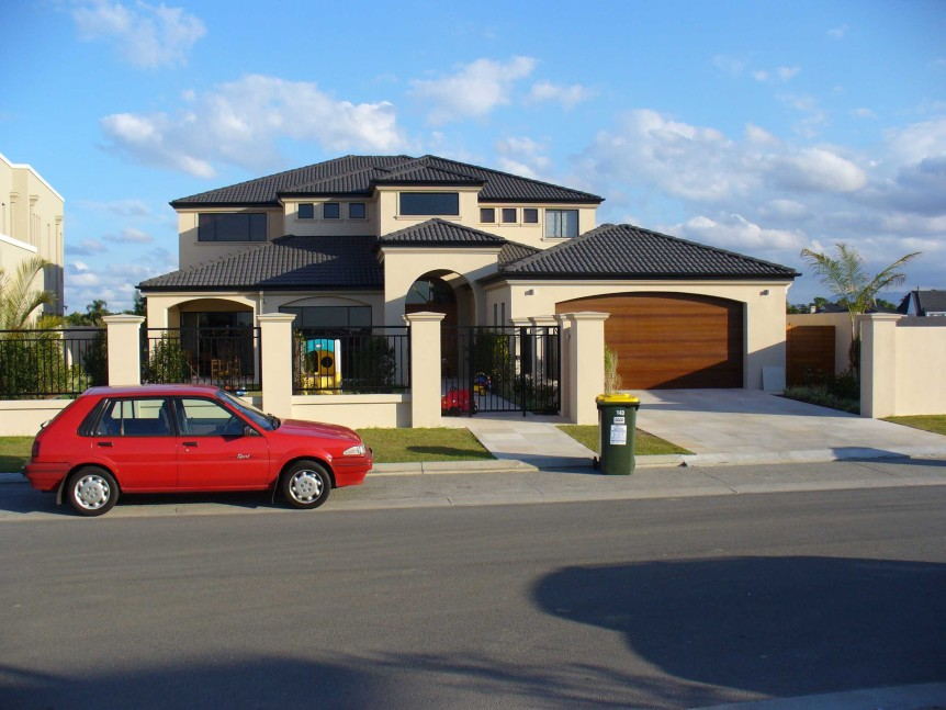 Gold_Coast_suburban_home
